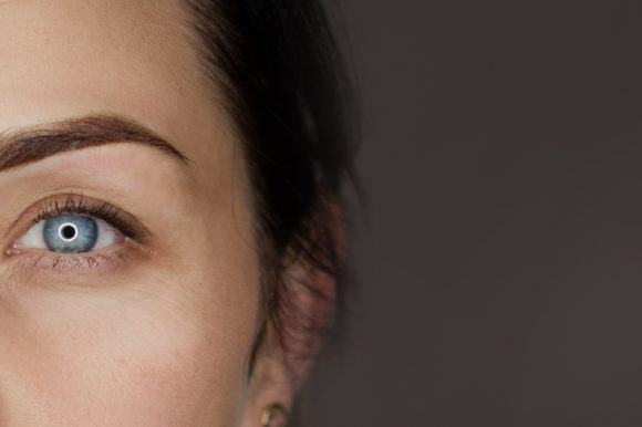 Czy makijaż permanentny boli?